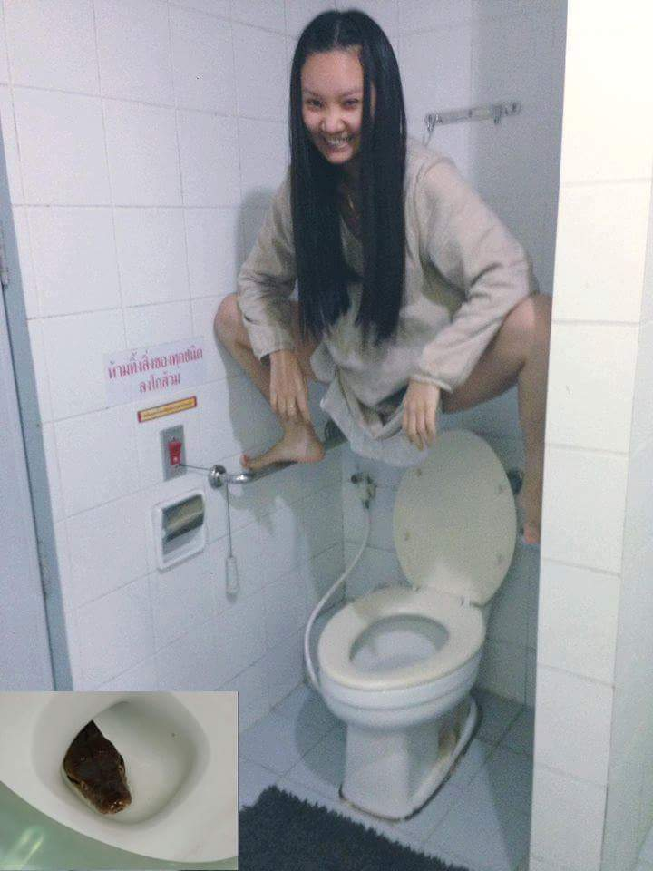 Сижу в туалете вдруг меня выебали